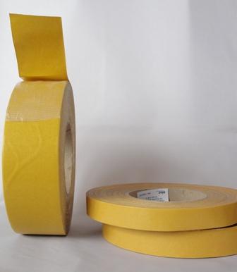 Doppelseitiges Montageklebeband mit Gewebe